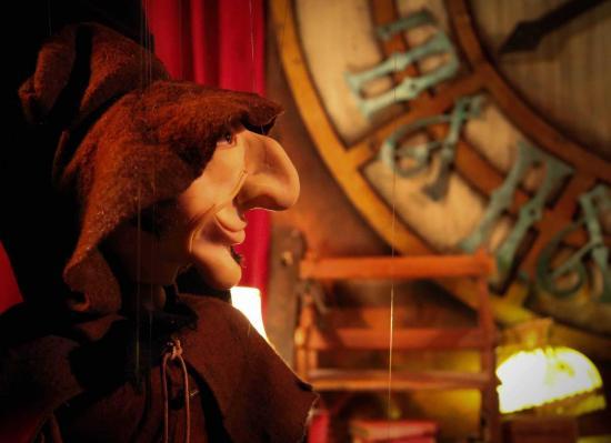 Cie lutka marionnettes ludmila et le mystere du carillon mr reve herbert